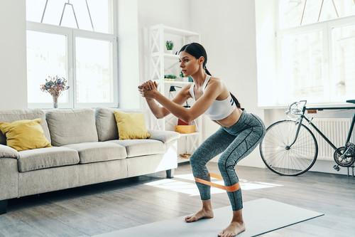 Vuelta al entrenamiento: 11 accesorios imprescindibles para entrenar en casa