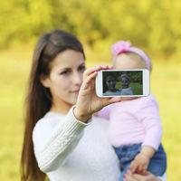 El verdadero problema de compartir la vida de tus hijos en las redes
