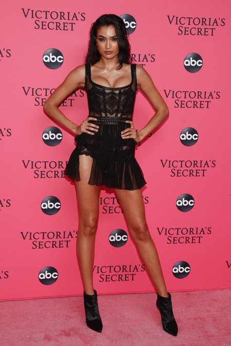 Kelly Gale victoria secret red carpet