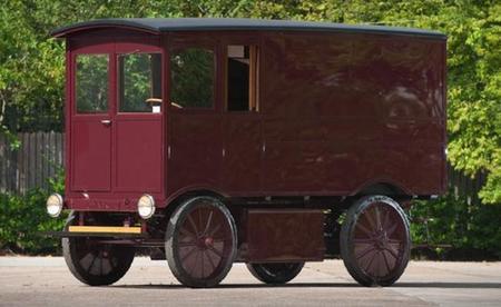 Un eléctrico de 1909 vendido por 127.500 dólares