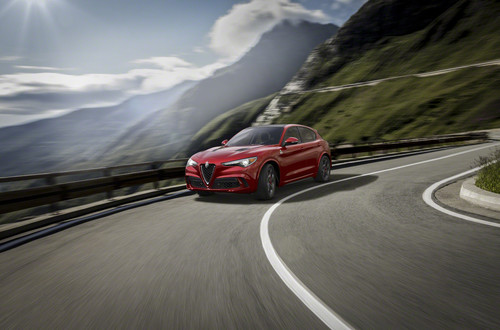 Alfa Romeo Stelvio, el primer SUV de los italiano es una bestia de 505 hp