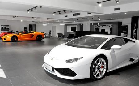Cuando un no millonario se mete a comprar un coche de lujo