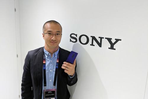 """""""Podríamos poner 100 cámaras en un teléfono si quisiéramos, pero hay que mirar si tiene sentido"""": Yosuke Someya, Sony Mobile"""