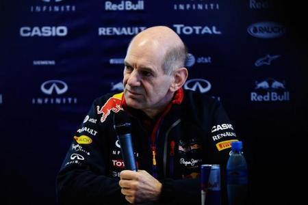 Adrian Newey admite estar enfocado en el RB11