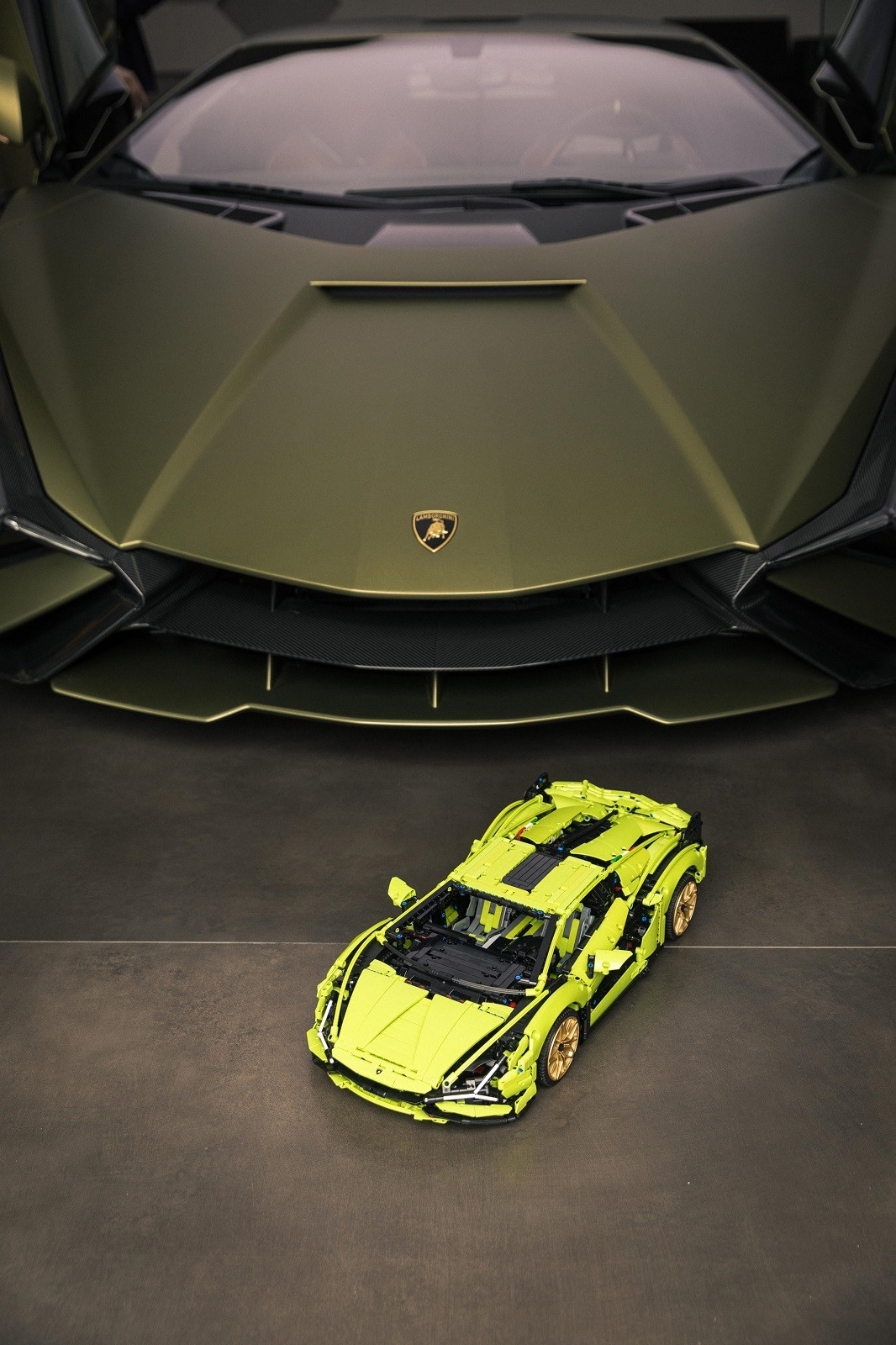 Foto de Lamborghini Sián FKP 37 de LEGO (10/15)
