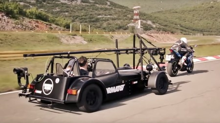 Siete motos y un coche: Así se rodó el espectacular vídeo del tributo de Akrapovič a las Superbike