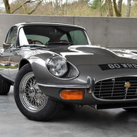 Este Jaguar E-Type 1973 regresó a la vida con detalles modernos
