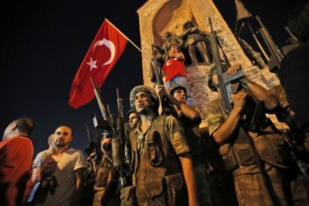 Por qué hay quien cree que el intento de  golpe de estado en Turquía fue un montaje