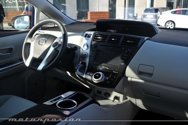 Interior Toyota Prius+