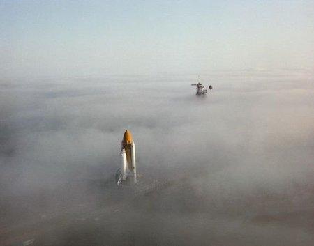 best-unforgettable-space-shuttle-pictures-challenger-fog_37677_600x450.jpg