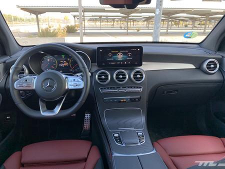 Mercedes-Benz GLC 200 4matic interior