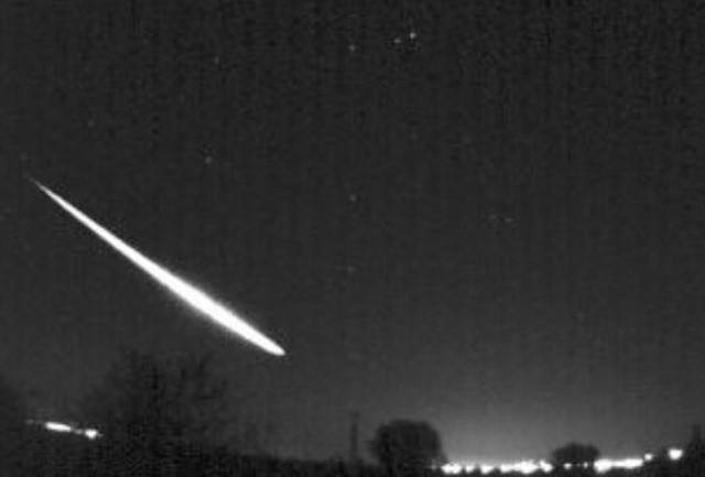 Este es el vídeo de la bola de fuego que cruzó el cielo de España el 12 de abril