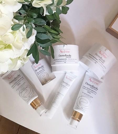 Nuestro concepto sobre la edad ha cambiado  y Eau Thermale Avène presenta DermAbsolu, su innovadora gama para pieles sensibles maduras