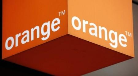 Orange se salva de la 'quema' de las grandes 'telecos' en España