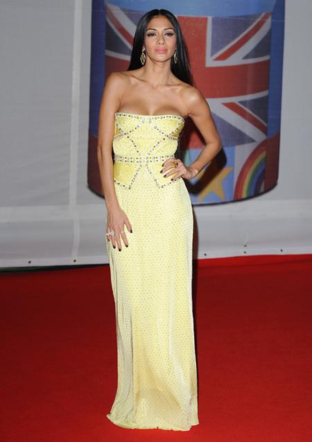 Nicole Scherzinger en los Brit Awards 2012