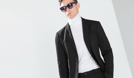 Zara tapa nuestro cuello en los outfit más formales