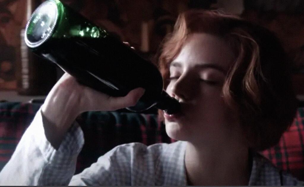 Anya Taylor-Joy y el cocreador de 'Gambito de dama' se volverán a reunir para adaptar 'Risa en la oscuridad' de Nabokov