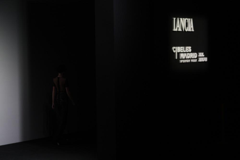 Foto de Jesús del Pozo en la Cibeles Fashion Week Otoño-Invierno 2011/2012 (34/71)