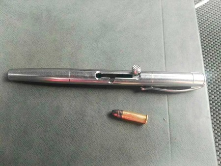 Las pistolas pluma existen y se venden en México: detienen a un hombre con 30 armas y dos mil cartuchos