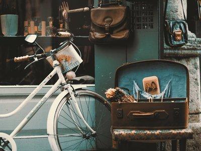 Una empresa paga una extra a los empleados que van a trabajar en bicicleta