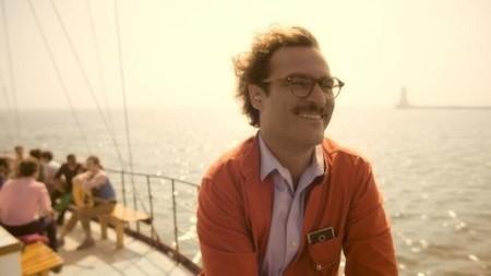 Theodore y Samantha en un barco en la película