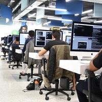 Así es 42Madrid, la escuela de programación sin clases ni profesores que presume de plena inserción laboral