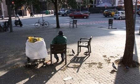 El perfil de las personas sin hogar también cambia con la crisis