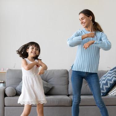 Poniéndole ritmo a la cuarentena: un montón de bailes y coreografías divertidas para que los niños gasten energía