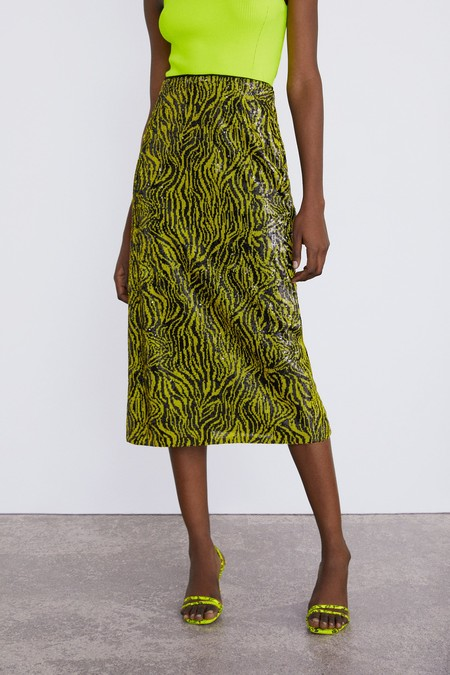 03b94559b Mini faldas, de largo midi y maxi faldas en rebajas de Zara verano 2019