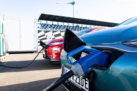 Hyundai Kona Cargando