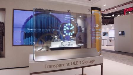 LG tiene una nueva pantalla OLED: es transparente y puede mostrar contenido por ambos lados