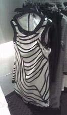 Compra tu mini vestido Chanel en Sfera