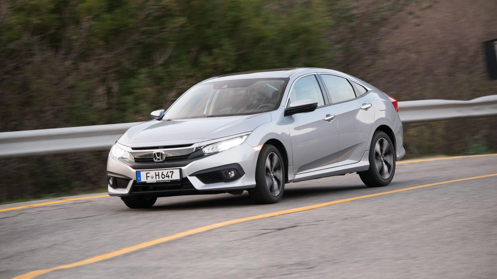 Foto de Honda Civic 4 puertas (36/37)