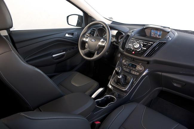 Ford Kuga 2013 interior y acabados
