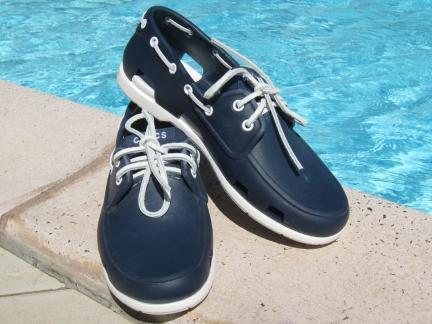 crocs-blue
