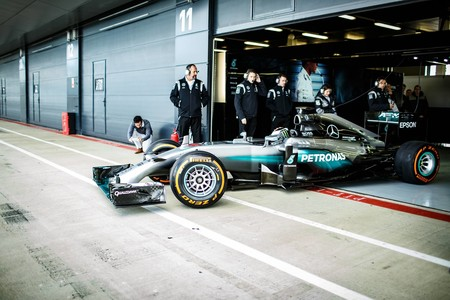 Lorenzo F1 Mercedes 2016 Silverstone