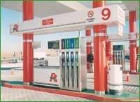 El Gobierno estudia subir los impuestos de carburantes en los próximos años