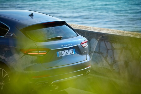 Maserati Levante Hybrid 41