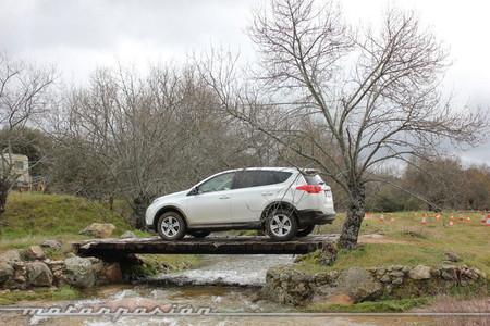 Toyota RAV4, miniprueba off-road en San Lorenzo de El Escorial
