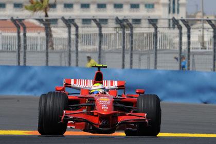 Pole para Felipe Massa en las calles de Valencia