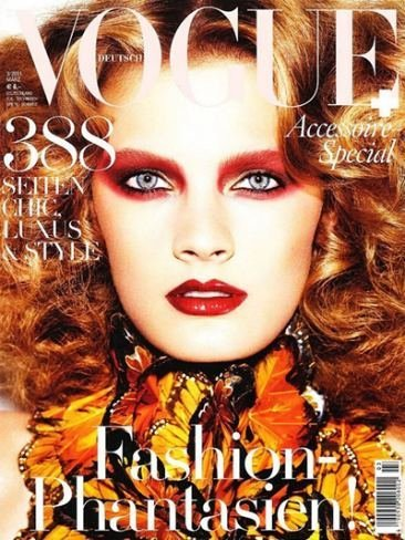 Portada de Vogue Alemania Marzo 2011. Sombras de ojos en color fuego
