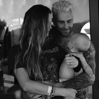 Behati Prinsloo y Adam Levine van a ser padres por segunda vez