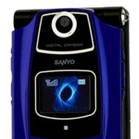Sanyo podría vender su división de móviles