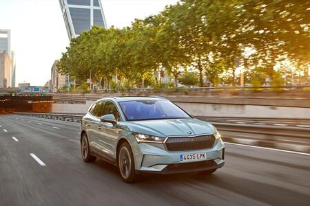 Skoda aparca los híbridos enchufables para centrarse en coches eléctricos