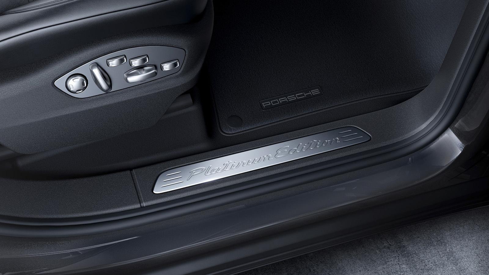 Foto de Porsche Cayenne Platinum Edition (2/6)