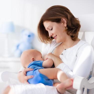La leche materna induce el sueño del bebé al desarrollar propiedades durante la noche: un beneficio más de la lactancia a demanda