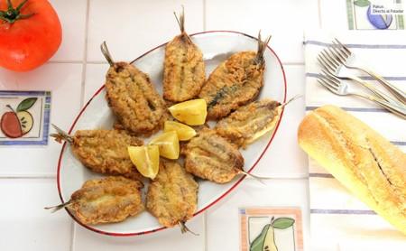 Receta de sardinas abiertas rebozadas o albardadas, la deliciosa fritura del verano