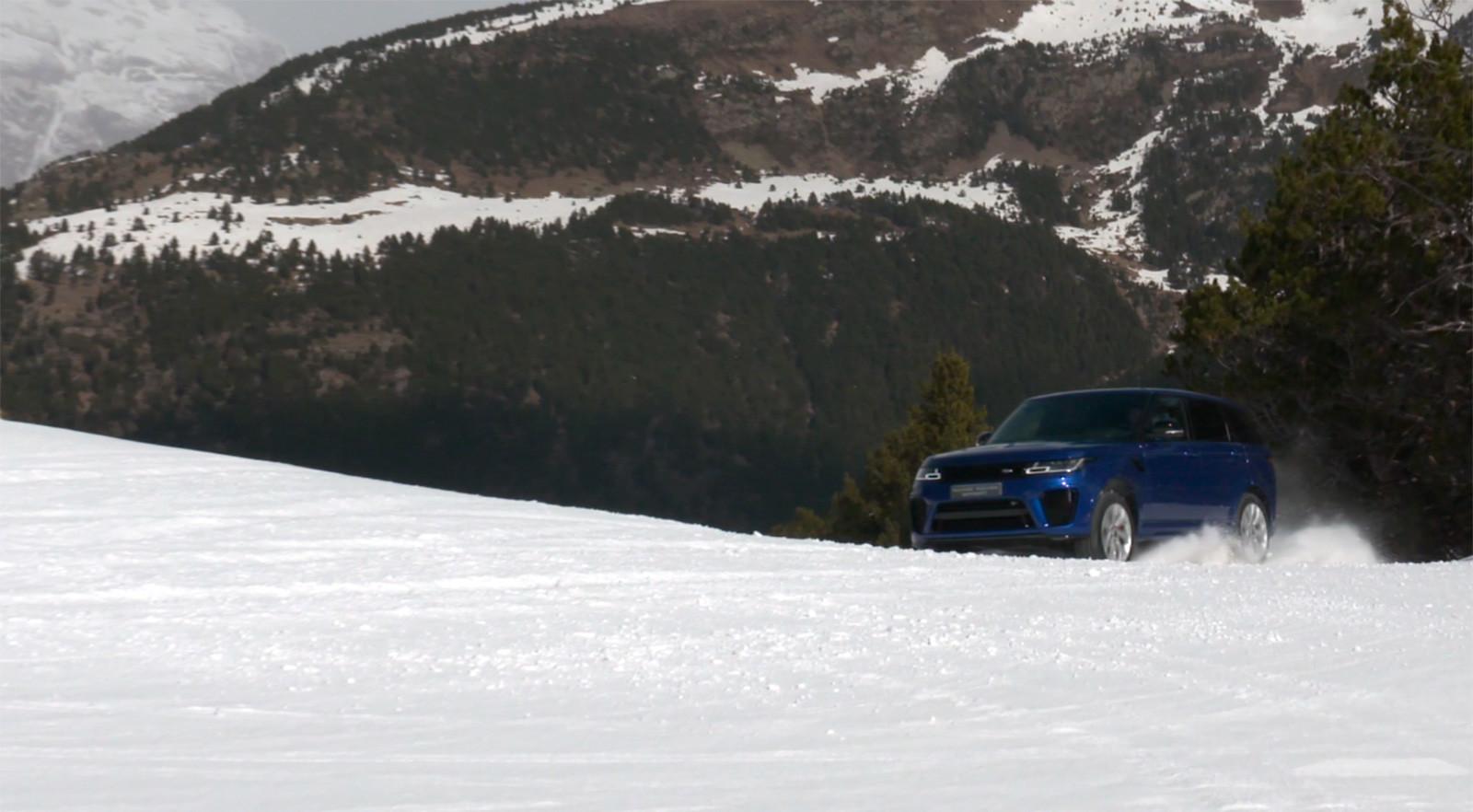 Foto de Curso de conducción en nieve de Jaguar Land Rover (13/28)