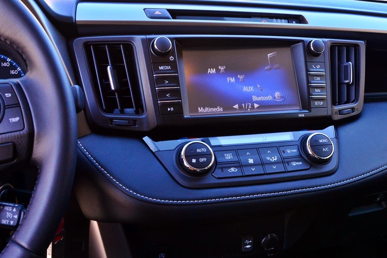 Foto de Toyota RAV4 150D Advance (58/75)