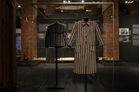 Vestimenta De Prisioneros Expuesta En Centro De Exposiciones Arte Canal Preview